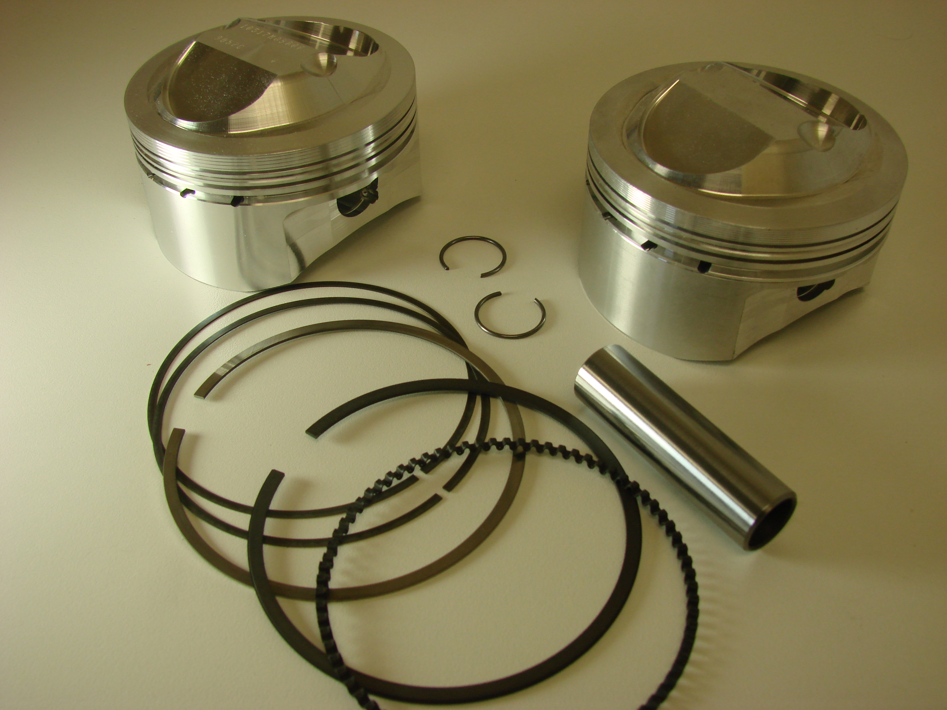 Meyers Performance Vintage 90mm  780cc Race Piston Set for Ducati 750cc Supersport  Monster.JPG